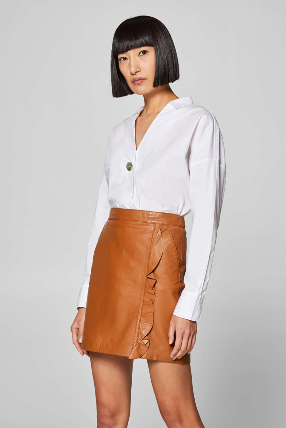 Esprit - Skirt with a frilled trim, 100% leather