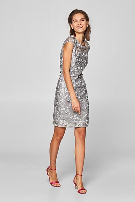 Pouzdrové šaty s vyšitými květy 0999bddf89