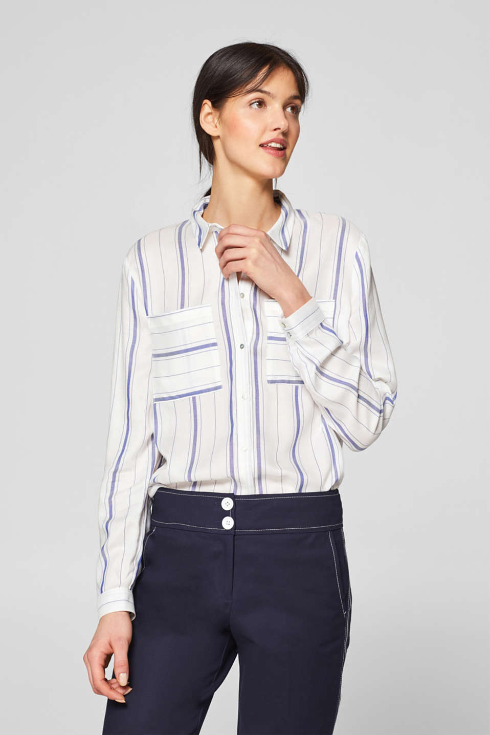 Esprit - Shirt blouse with a striped pattern
