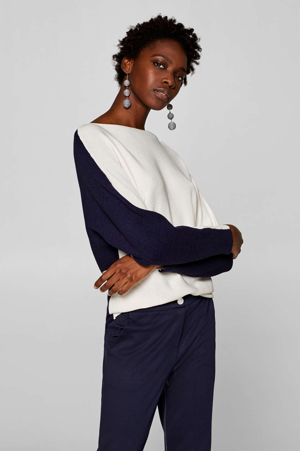Esprit - Textured jumper with batwing sleeves
