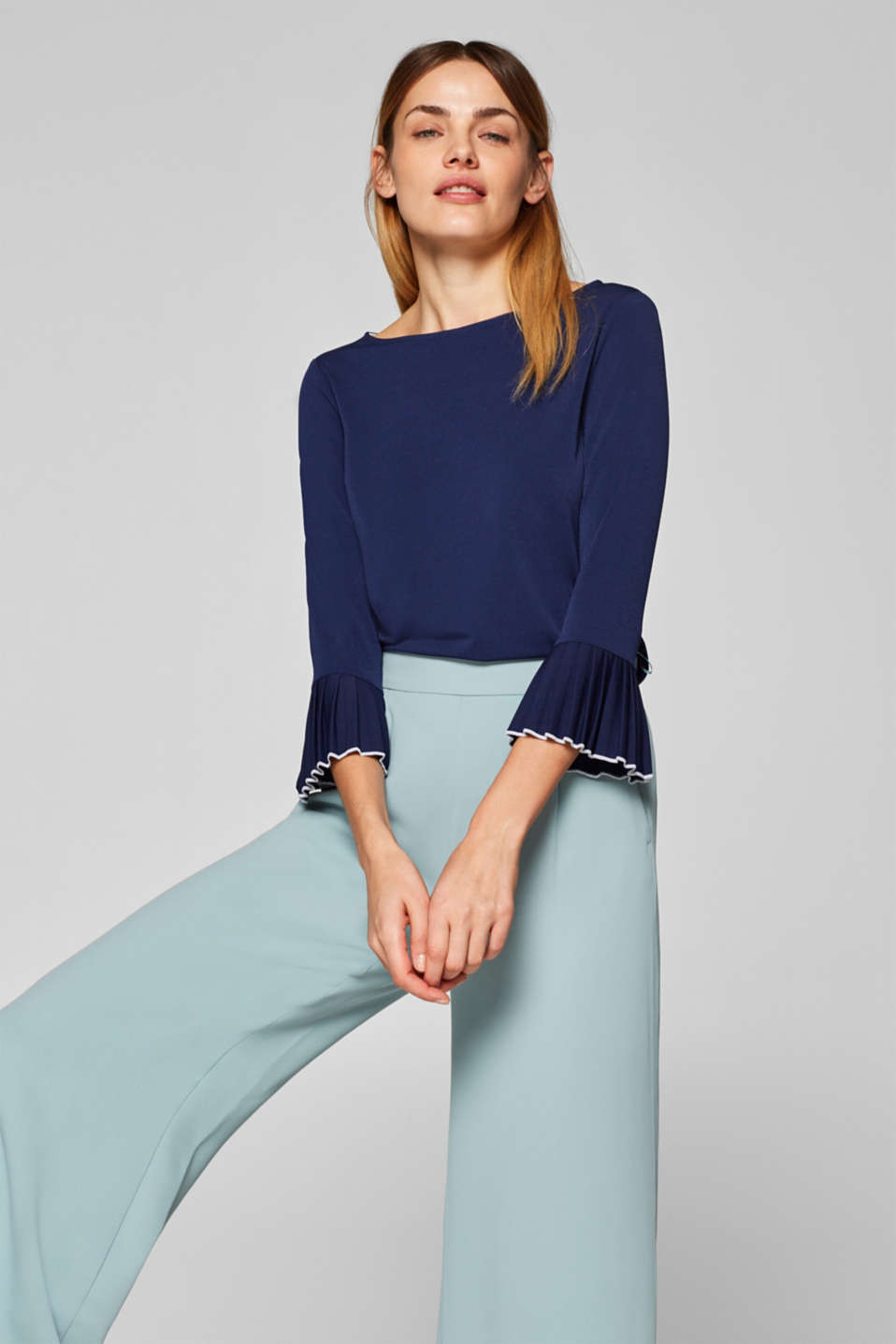 Esprit - Crêpe jersey top with pleated details