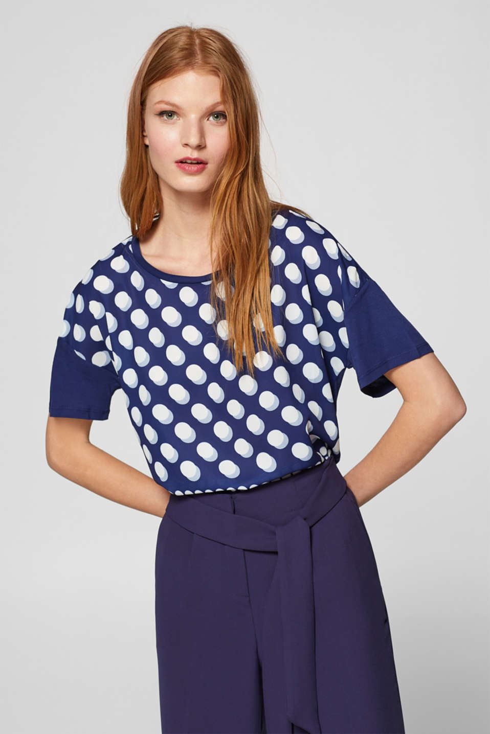 Esprit - Mixed material T-shirt with a polka dot print