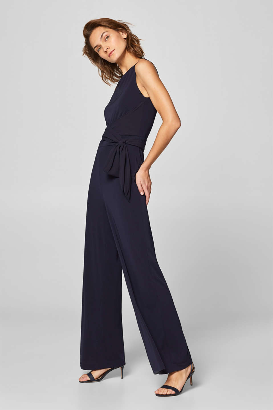 Esprit - Jumpsuit with a bow at the back