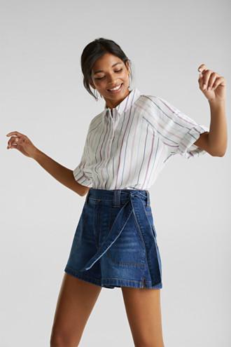 Denim shorts with a belt