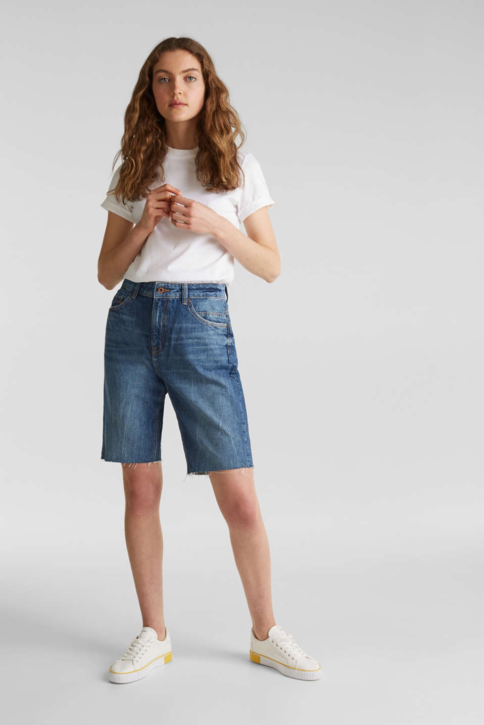Denim Bermudas with frayed hems, BLUE DARK WASH, detail image number 0