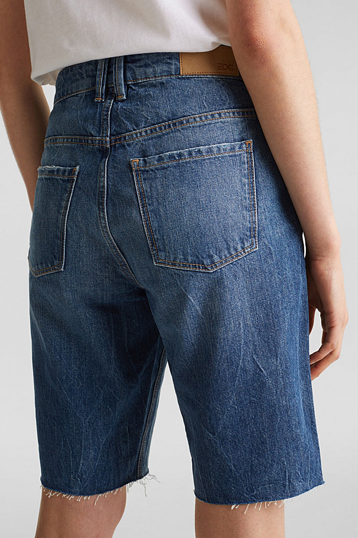 Denim Bermudas with frayed hems, BLUE DARK WASHED, detail image number 5