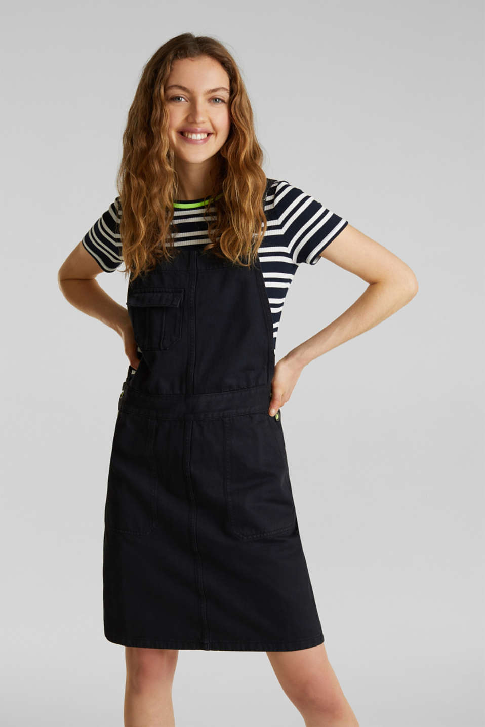 Dungaree skirt with breast pocket, BLACK, detail image number 0