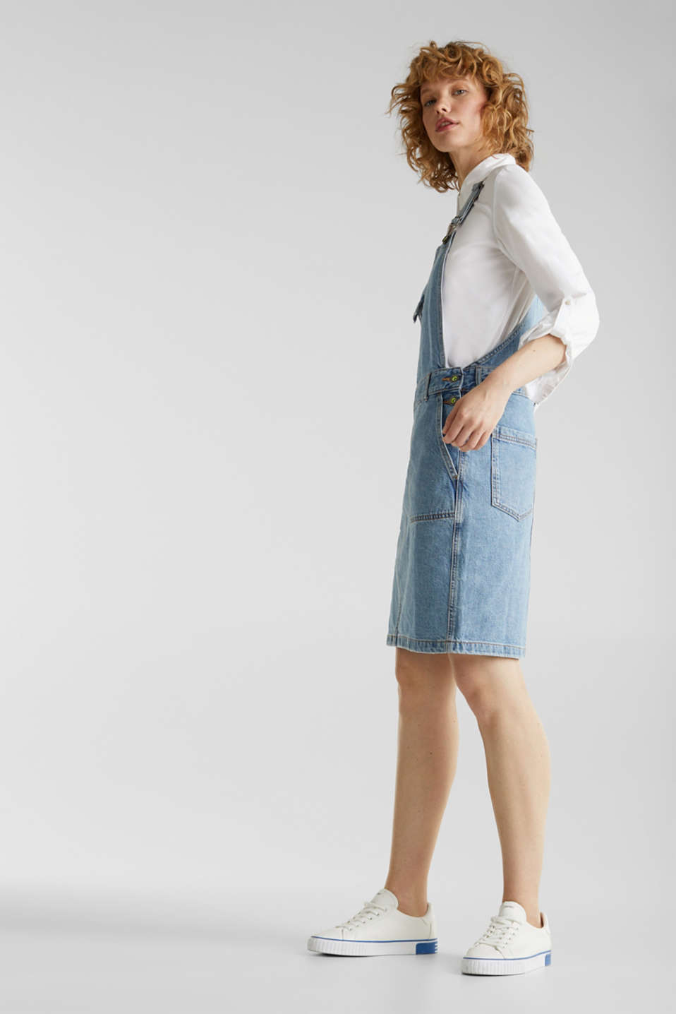 Denim pinafore with organic cotton, BLUE MEDIUM WASH, detail