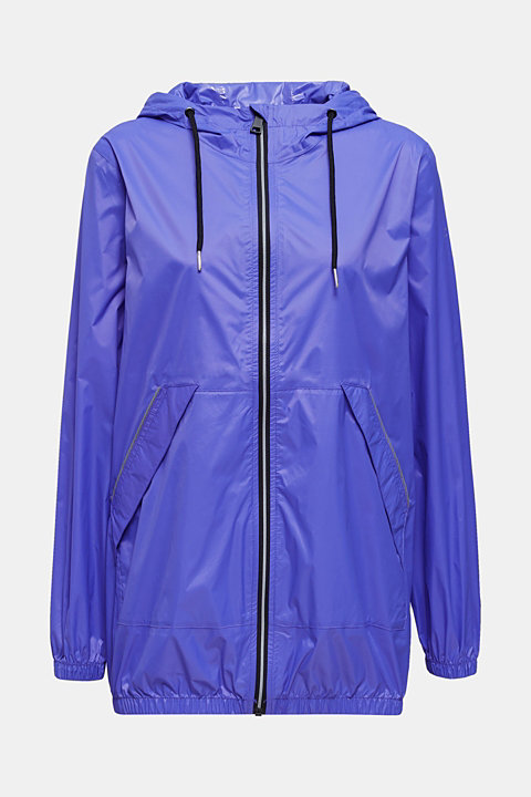 Windbreaker with functional details