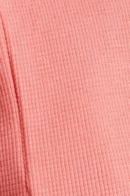 Textured stretch top with a pocket, CORAL, detail