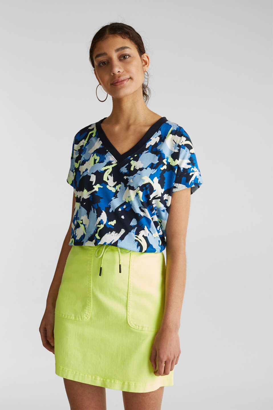 Printed top with a V-neckline, 100% cotton, NAVY, detail image number 0