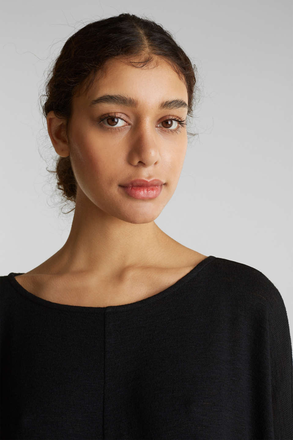 Batwing top with a draped effect, BLACK, detail image number 6