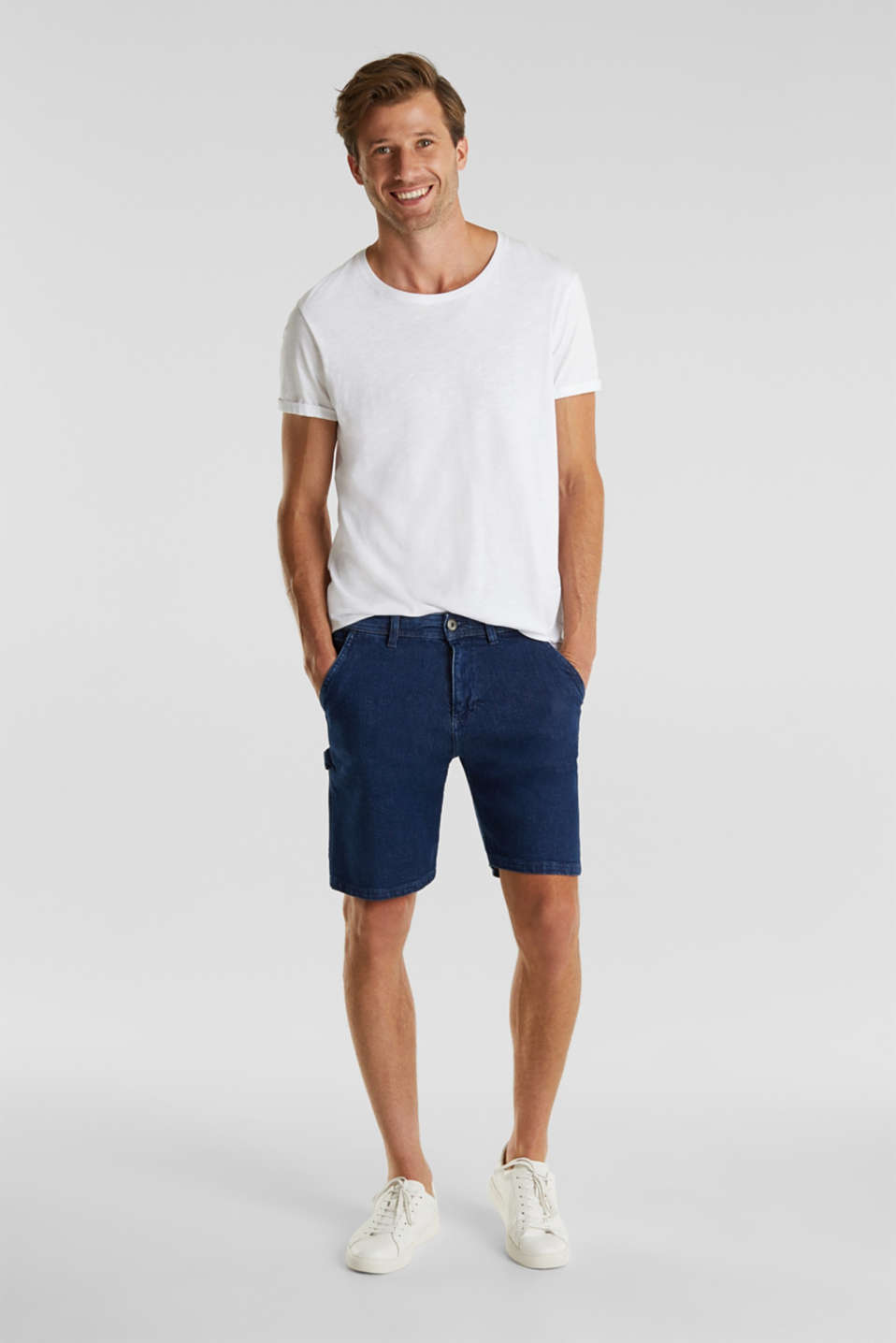 Denim shorts in a utility look, BLUE DARK WASH, detail image number 1