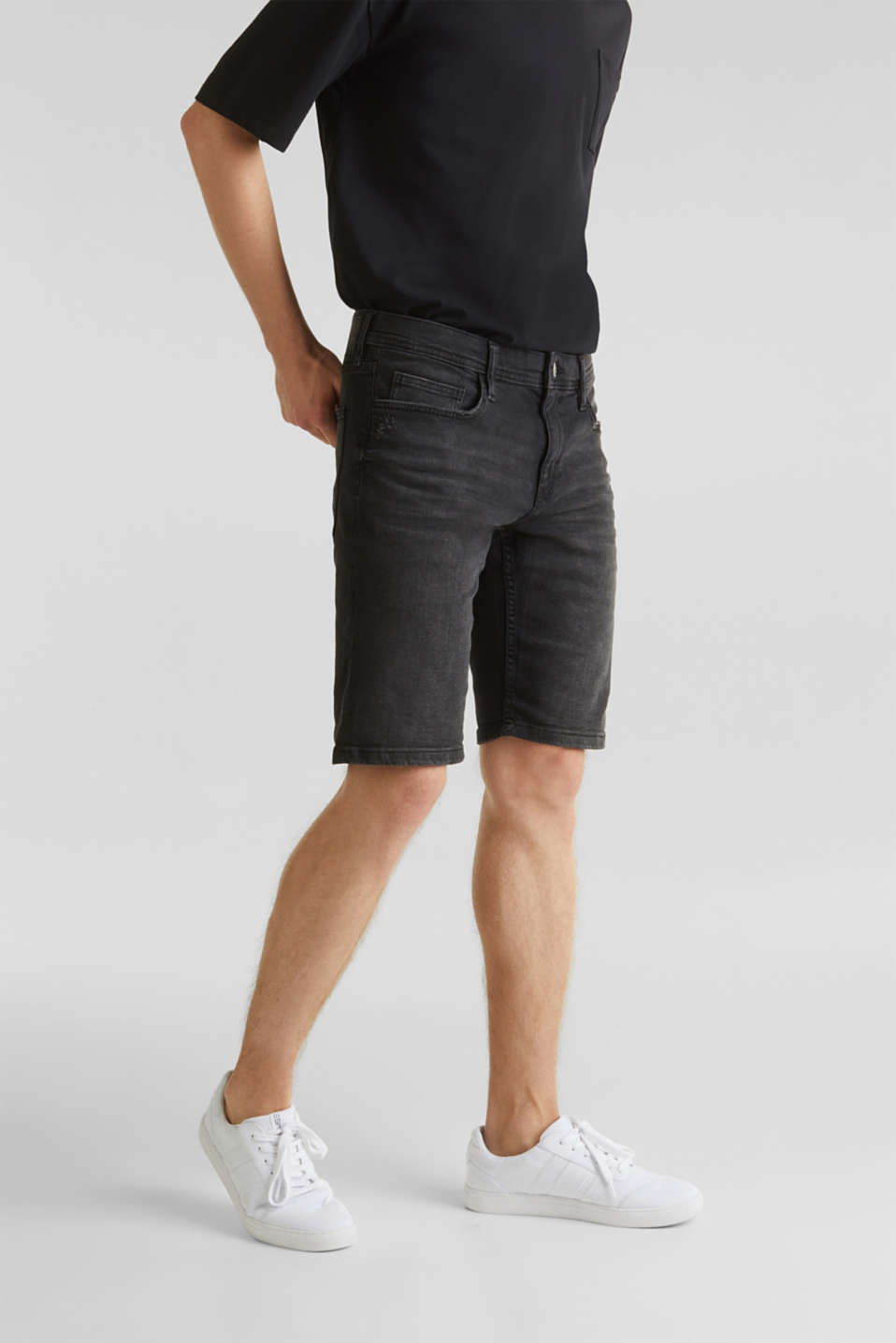 Super stretch denim shorts, BLACK DARK WASH, detail image number 0