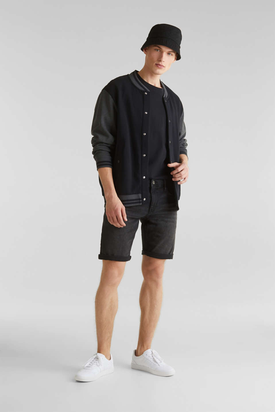 Super stretch denim shorts, BLACK DARK WASH, detail image number 1