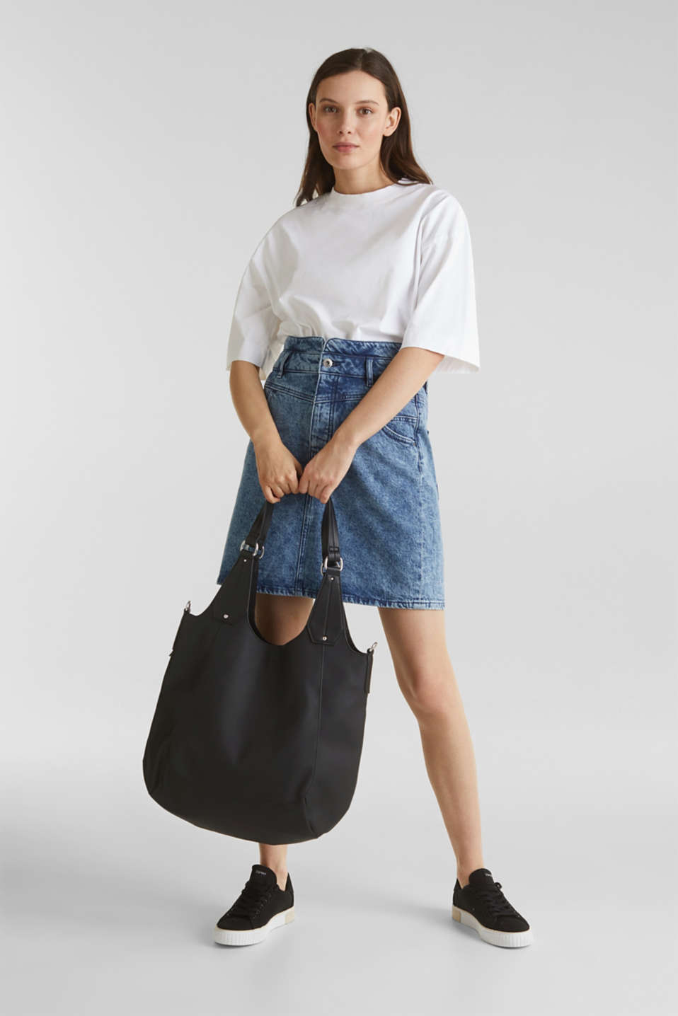 XL shopper in faux leather, vegan, BLACK, detail image number 1