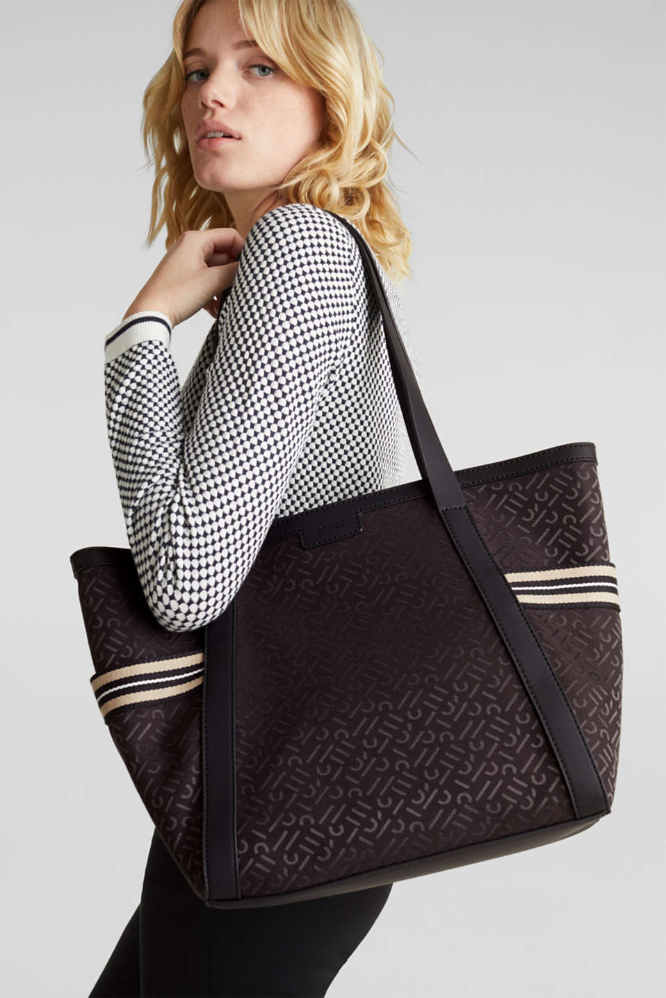 Monogram tote bag in a mix of materials, BLACK, detail image number 1