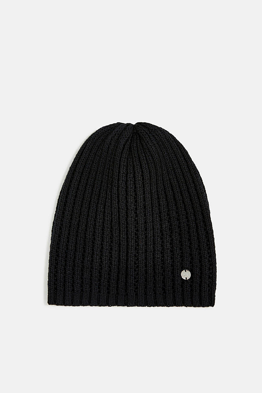 100% cotton hat with a knit pattern