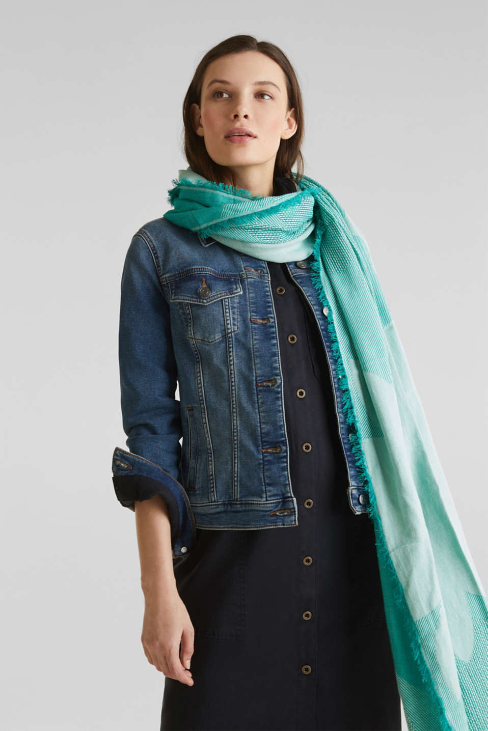 Scarf with woven structure, 100% cotton, TEAL GREEN, detail image number 3