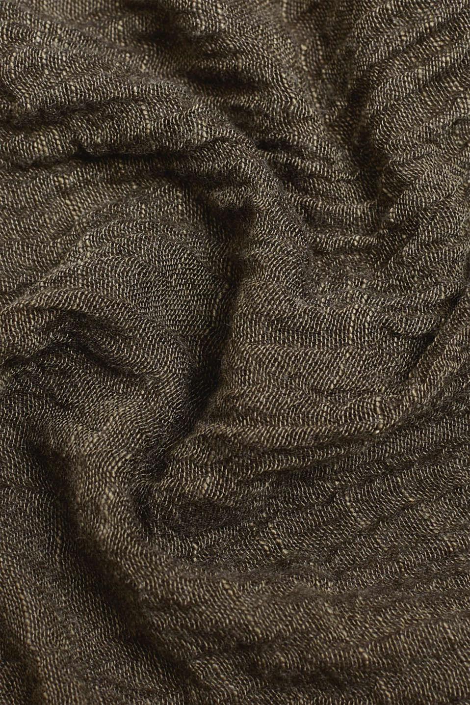 Slub scarf in a crinkle look, OLIVE, detail image number 2