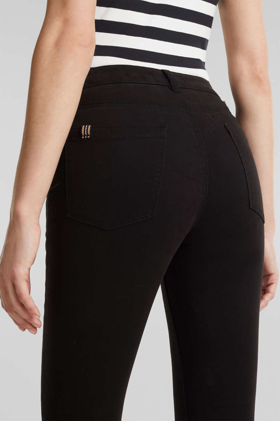 Soft Capri trousers with Lycra® xtra life™, BLACK, detail image number 5