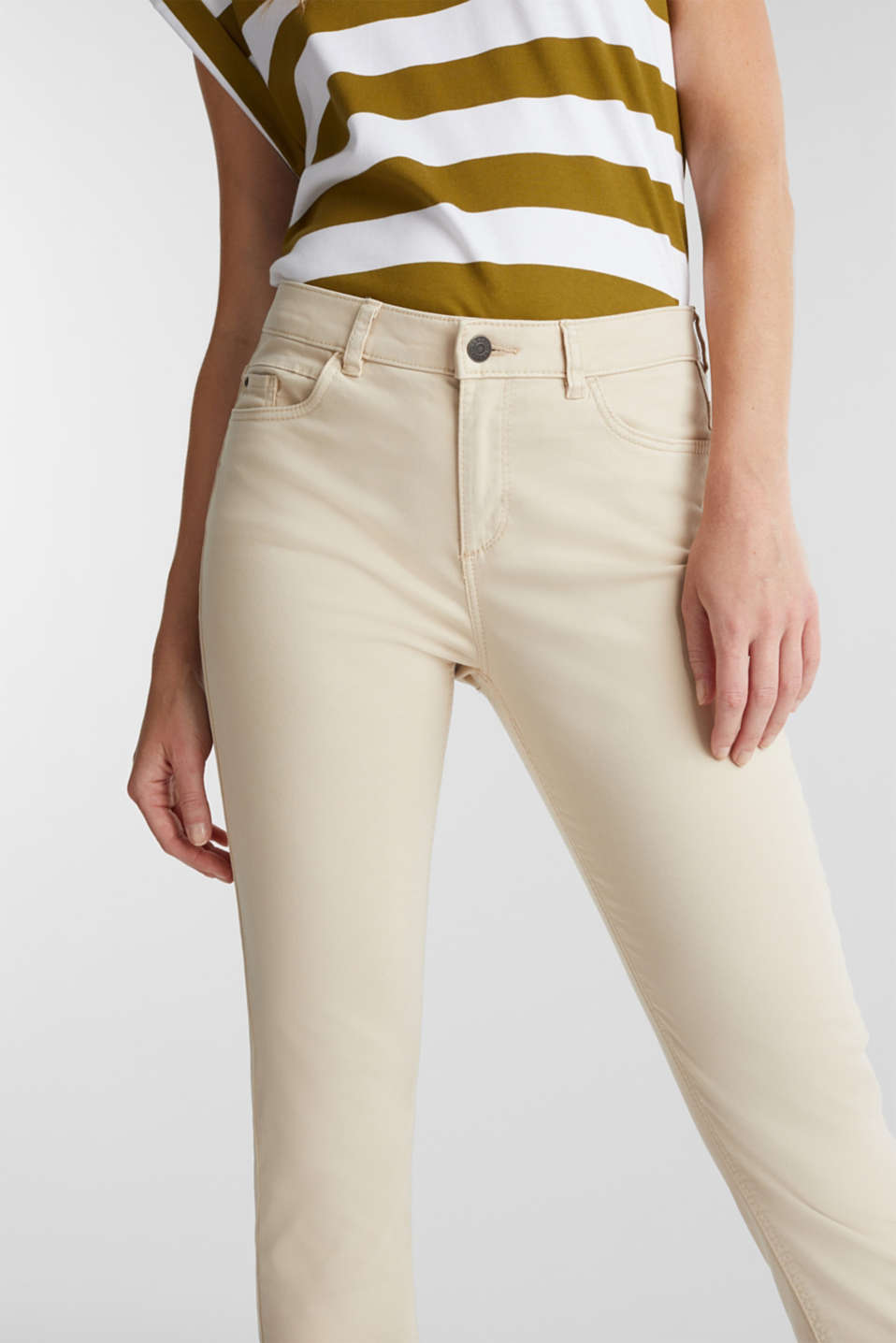 Soft Capri trousers with Lycra® xtra life™, LIGHT BEIGE, detail image number 2