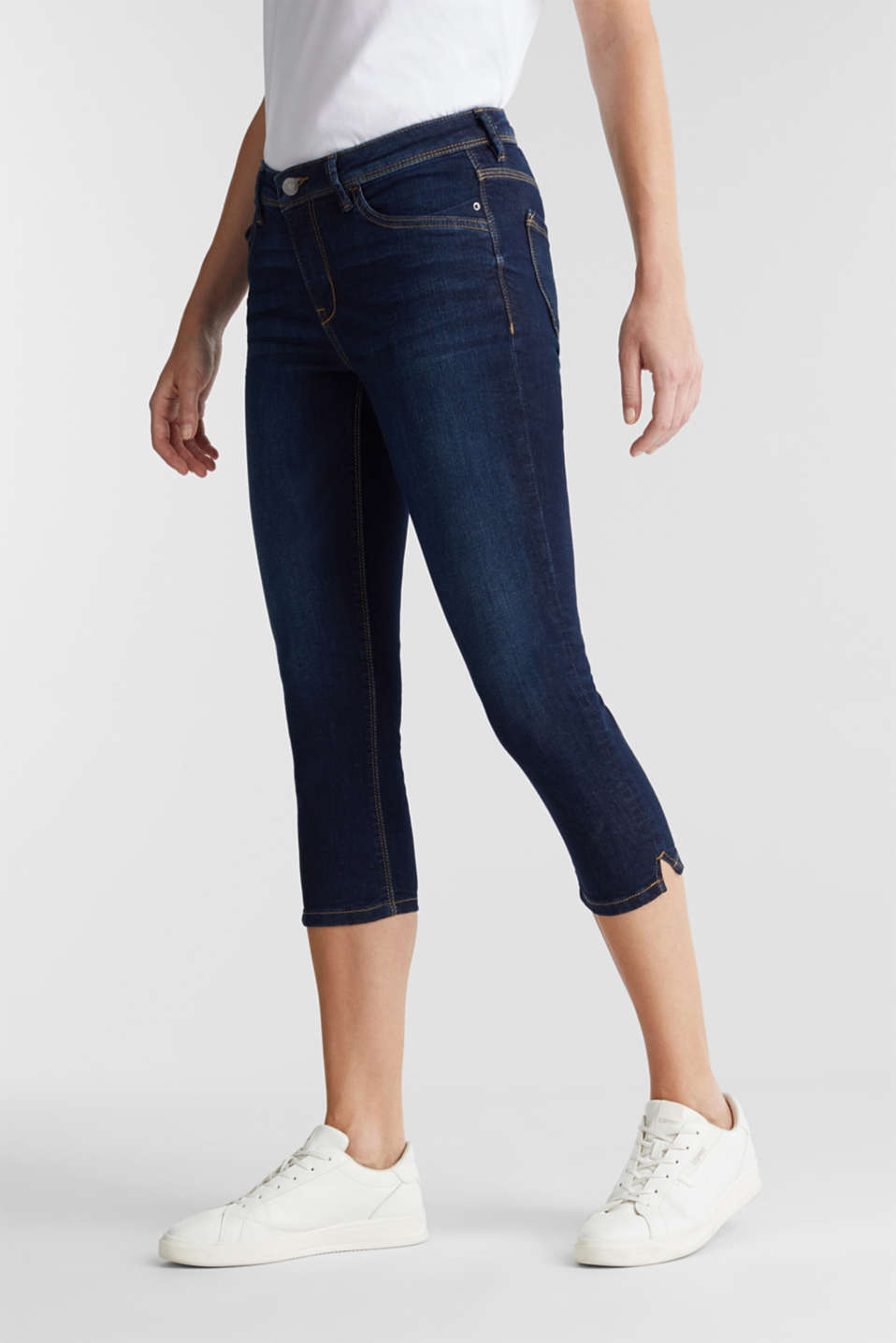 Capri jeans with whiskering, BLUE DARK WASH, detail image number 0