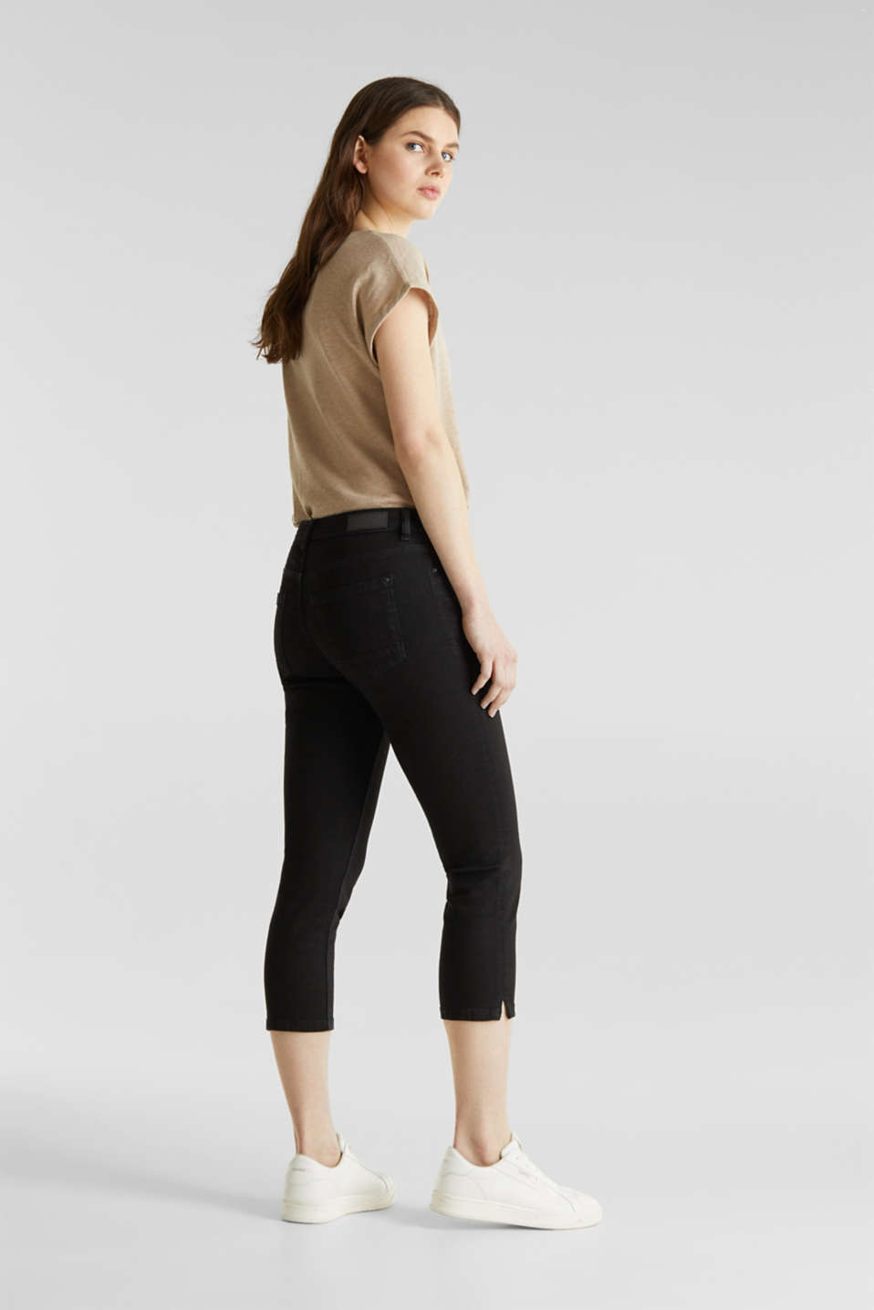 Capri jeans with whiskering, BLACK RINSE, detail image number 3