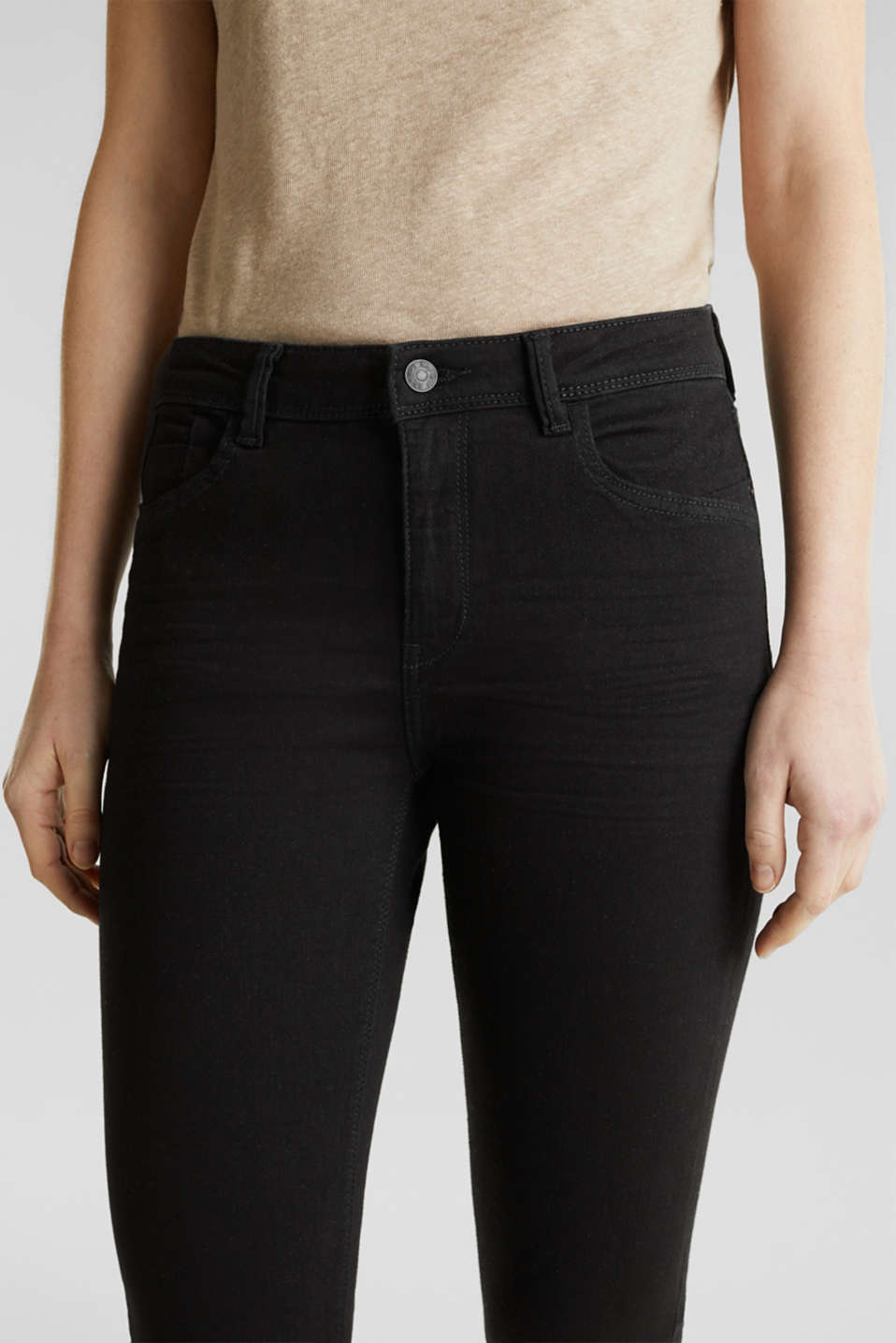 Capri jeans with whiskering, BLACK RINSE, detail image number 2