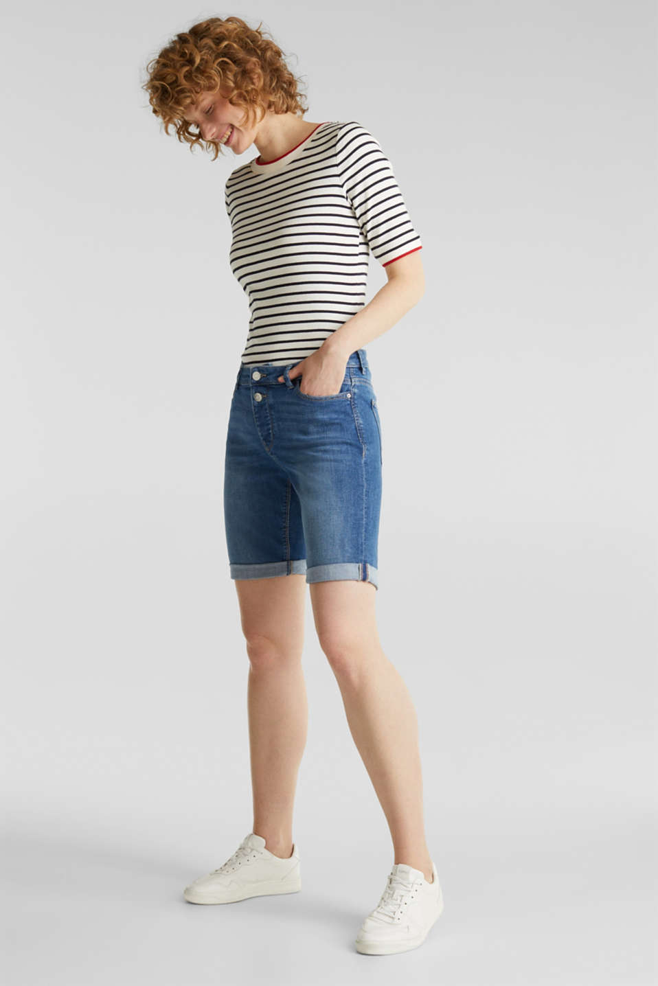 Super stretch shorts with two buttons, BLUE MEDIUM WASH, detail image number 1