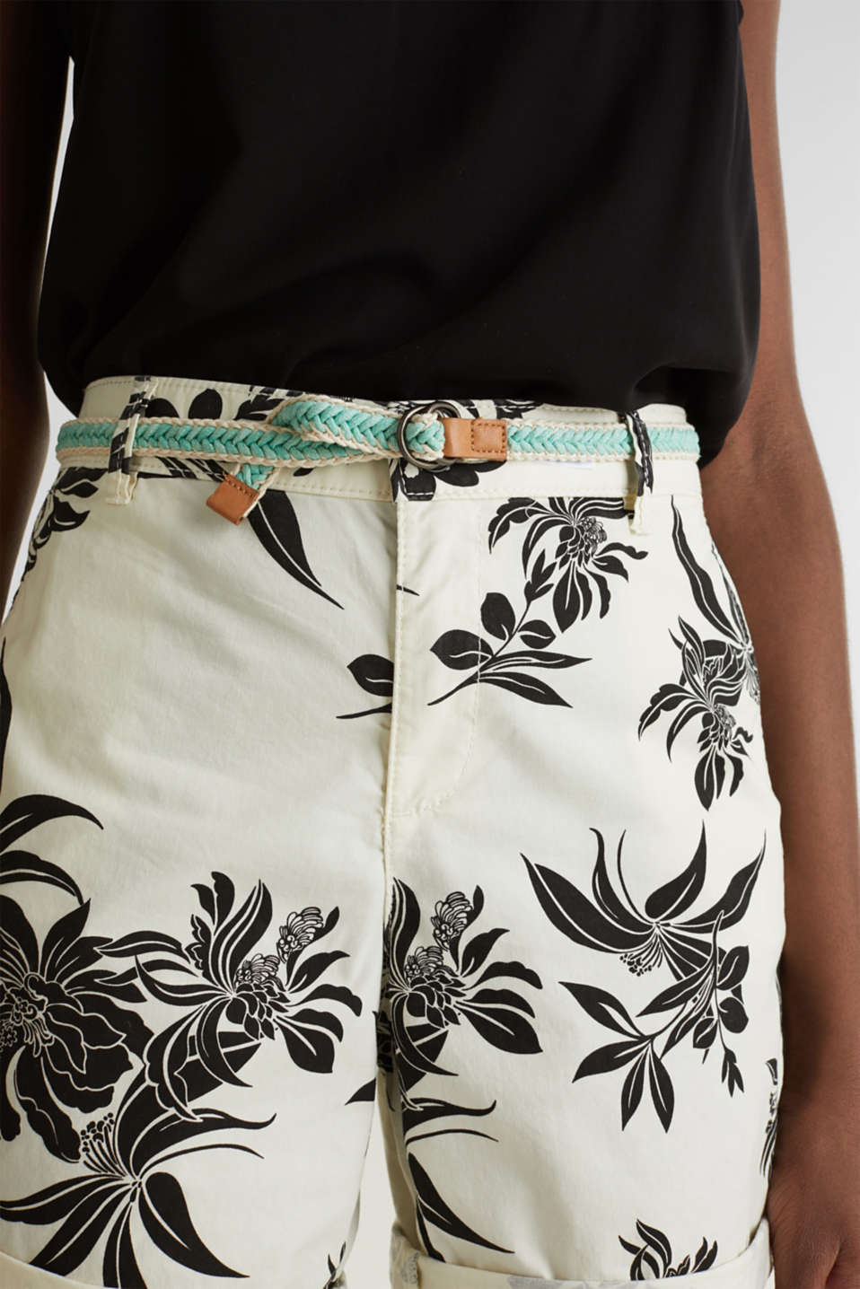 Chino shorts with Lycra xtra life™, WHITE, detail image number 5