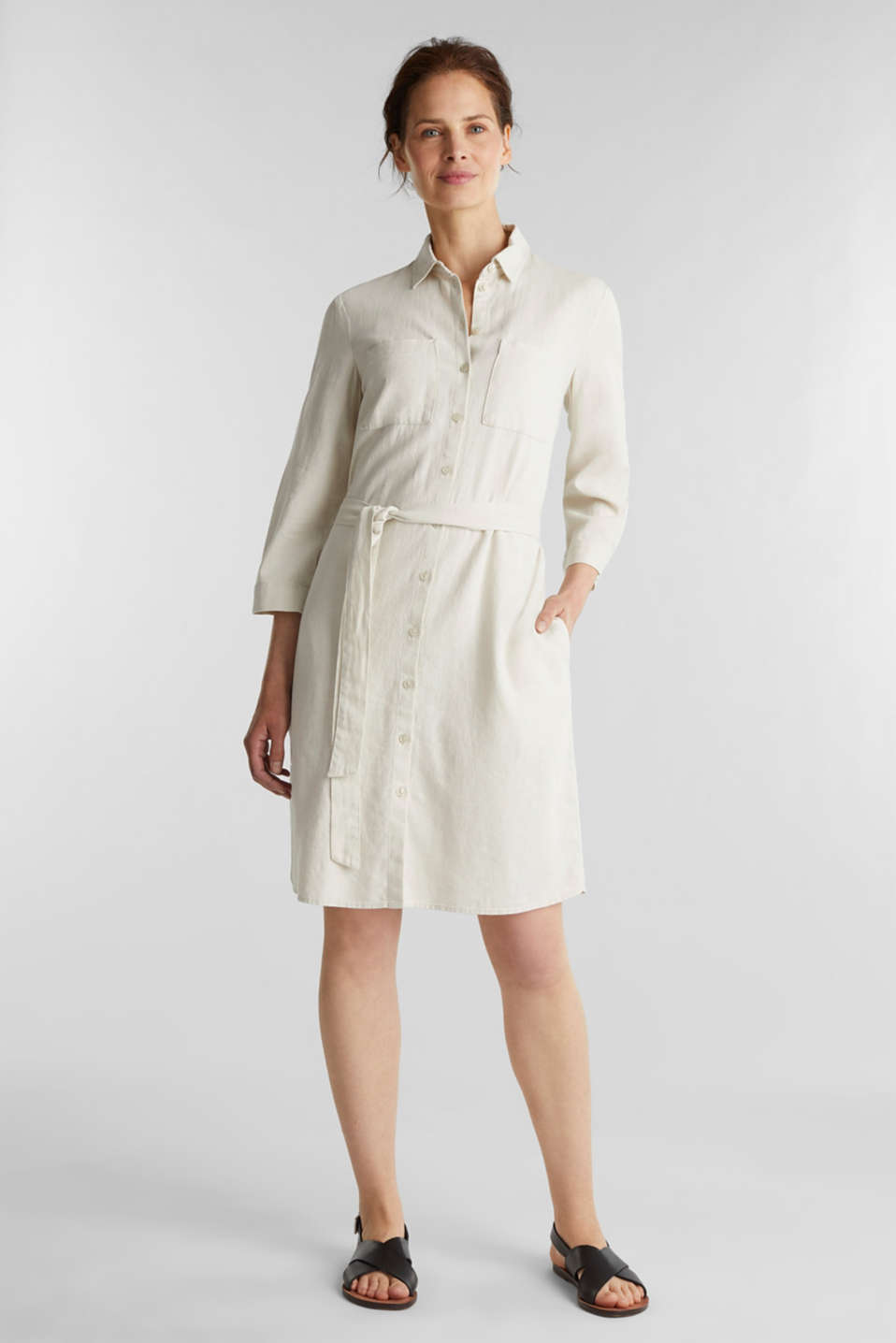 Made of blended linen: shirt blouse dress with a belt, SAND, detail image number 1