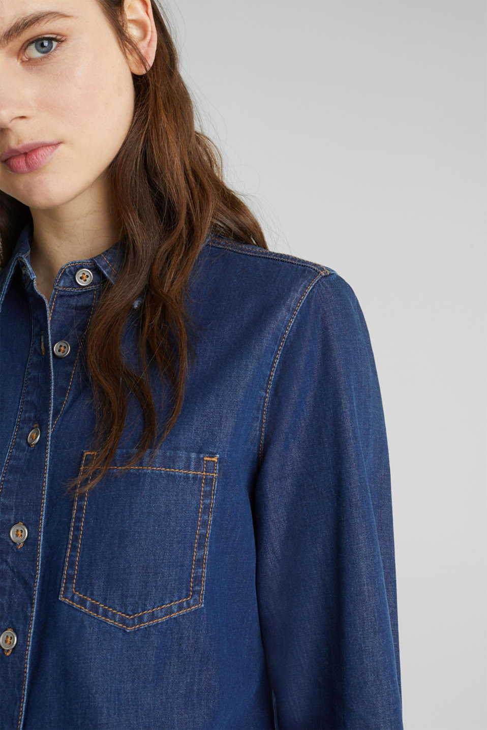 Lightweight dark denim blouse, 100% organic cotton, BLUE MEDIUM WASH, detail image number 2