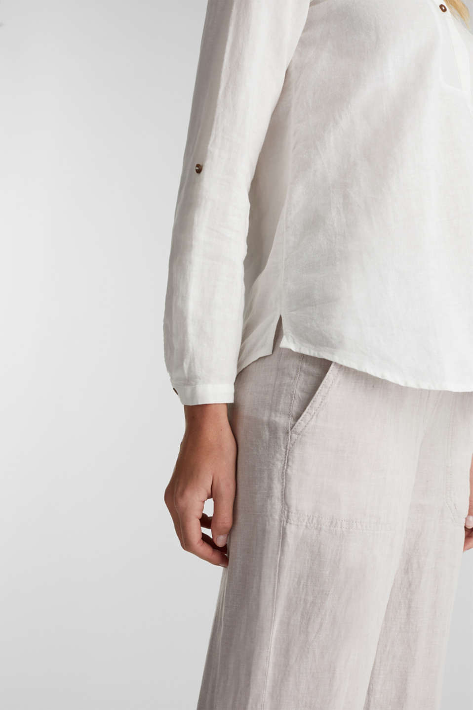 Made of blended linen: Henley blouse, OFF WHITE, detail image number 2