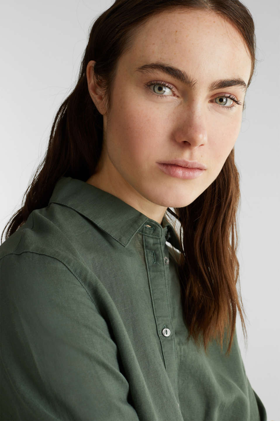 Linen blend: Blouse with turn-up sleeves, KHAKI GREEN, detail image number 4