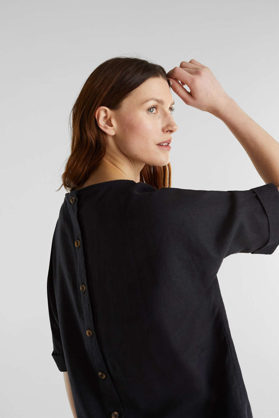 Blended linen blouse with a button placket, BLACK, detail image number 5