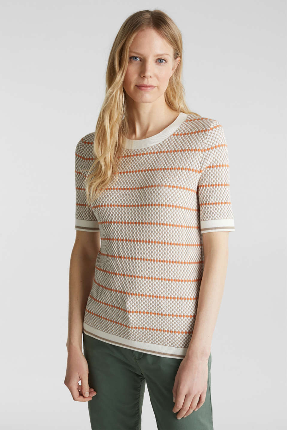 Esprit - Short sleeve jumper with LENZING™ ECOVERO™
