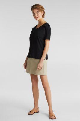 Made of blended linen: double V-neck T-shirt, BLACK, detail