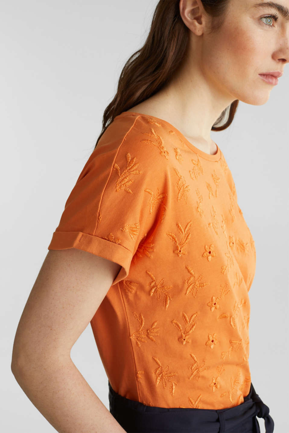 T-shirt with tonal embroidery, 100% organic cotton, RUST ORANGE, detail image number 2