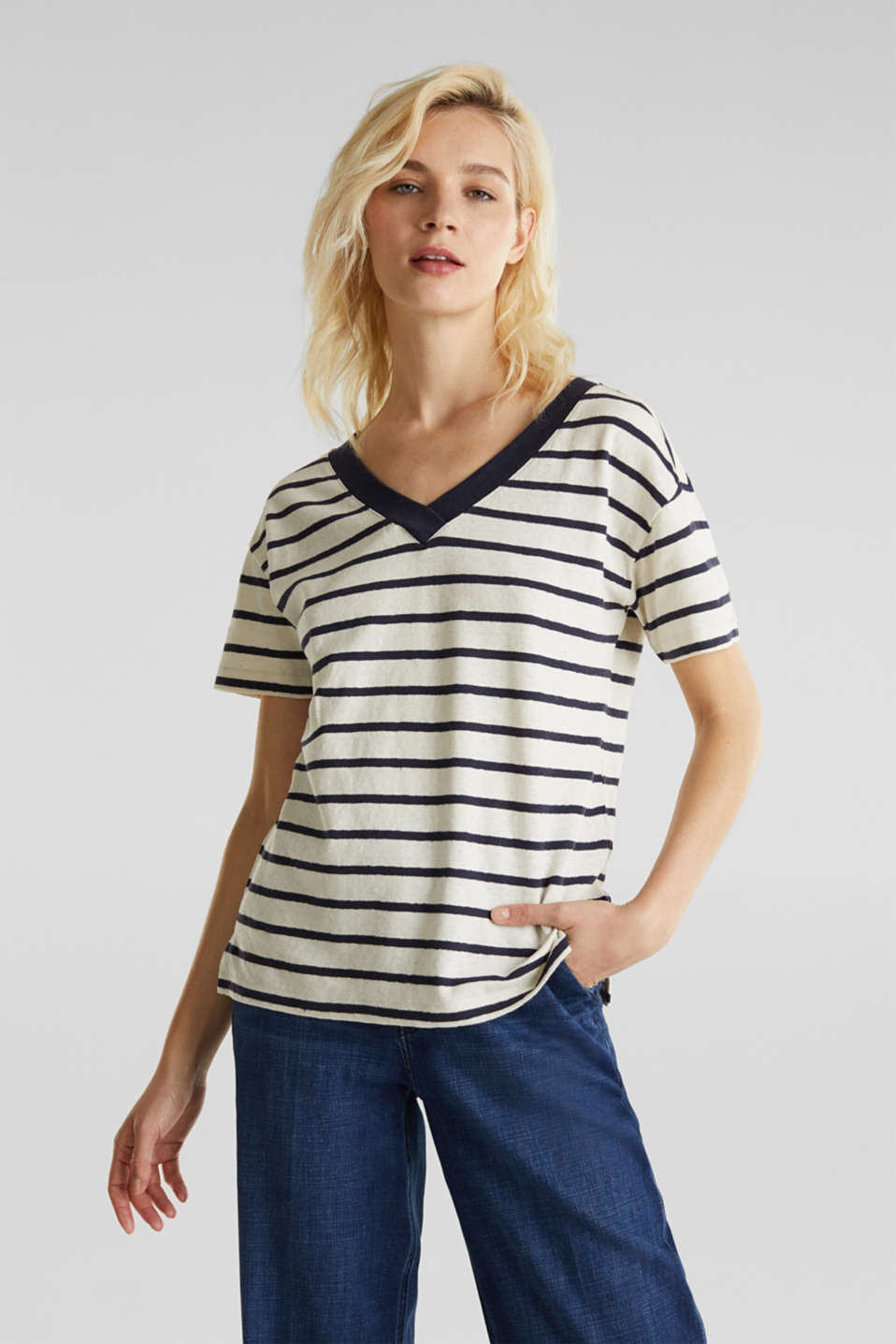 Esprit - Made of blended linen: Top with v-necklines