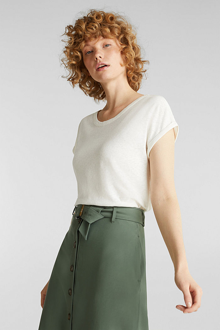 Made of blended linen: clean-look top