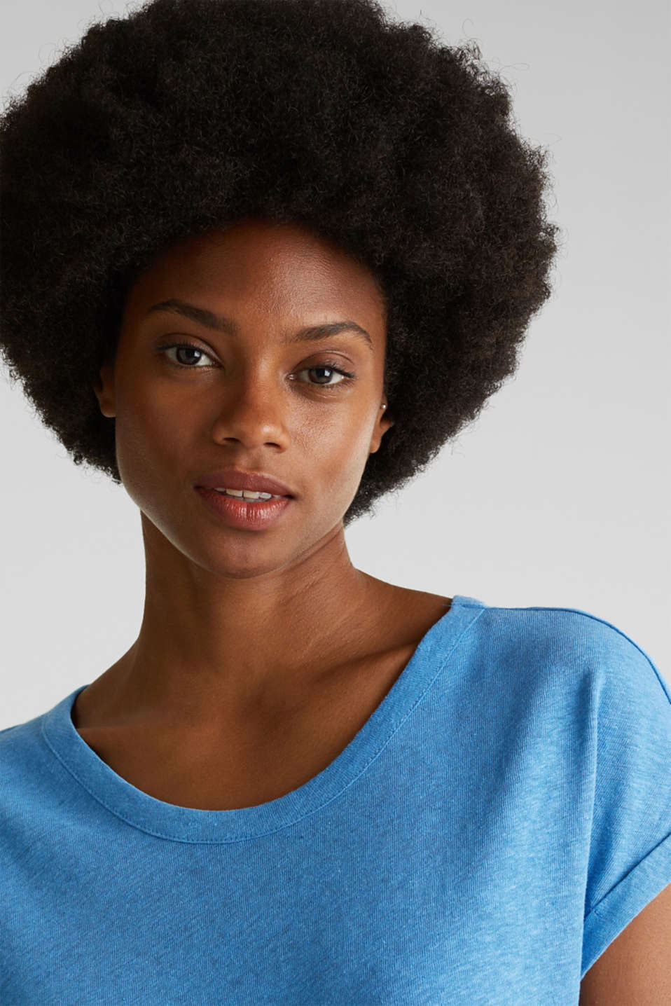 Made of blended linen: clean-look top, BRIGHT BLUE, detail image number 4