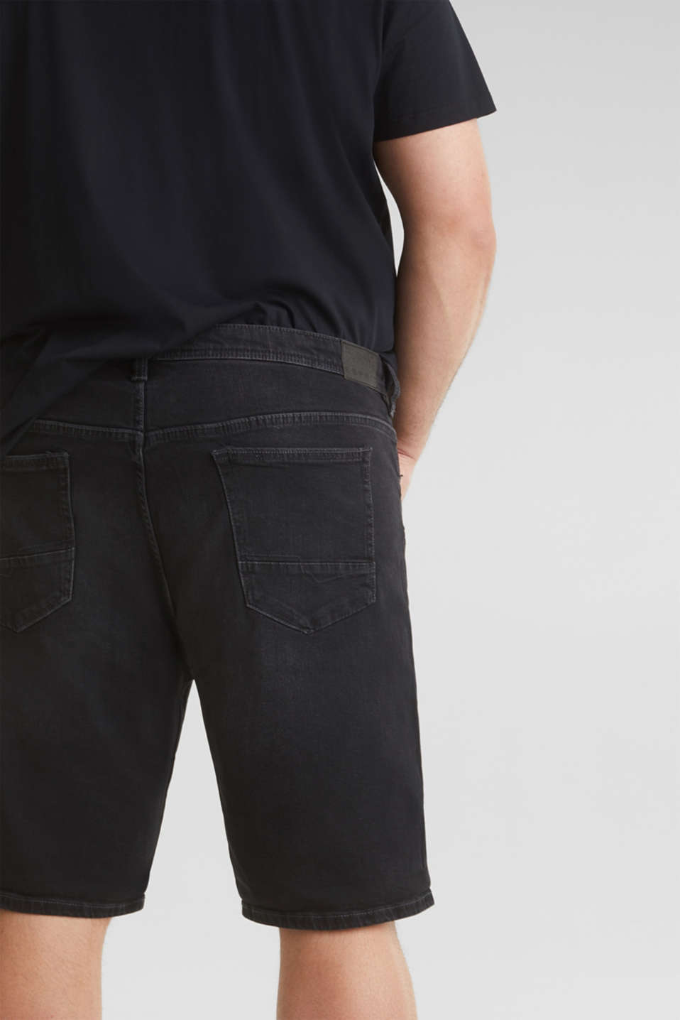 Denim Bermudas with organic cotton, BLACK MEDIUM WASH, detail image number 5