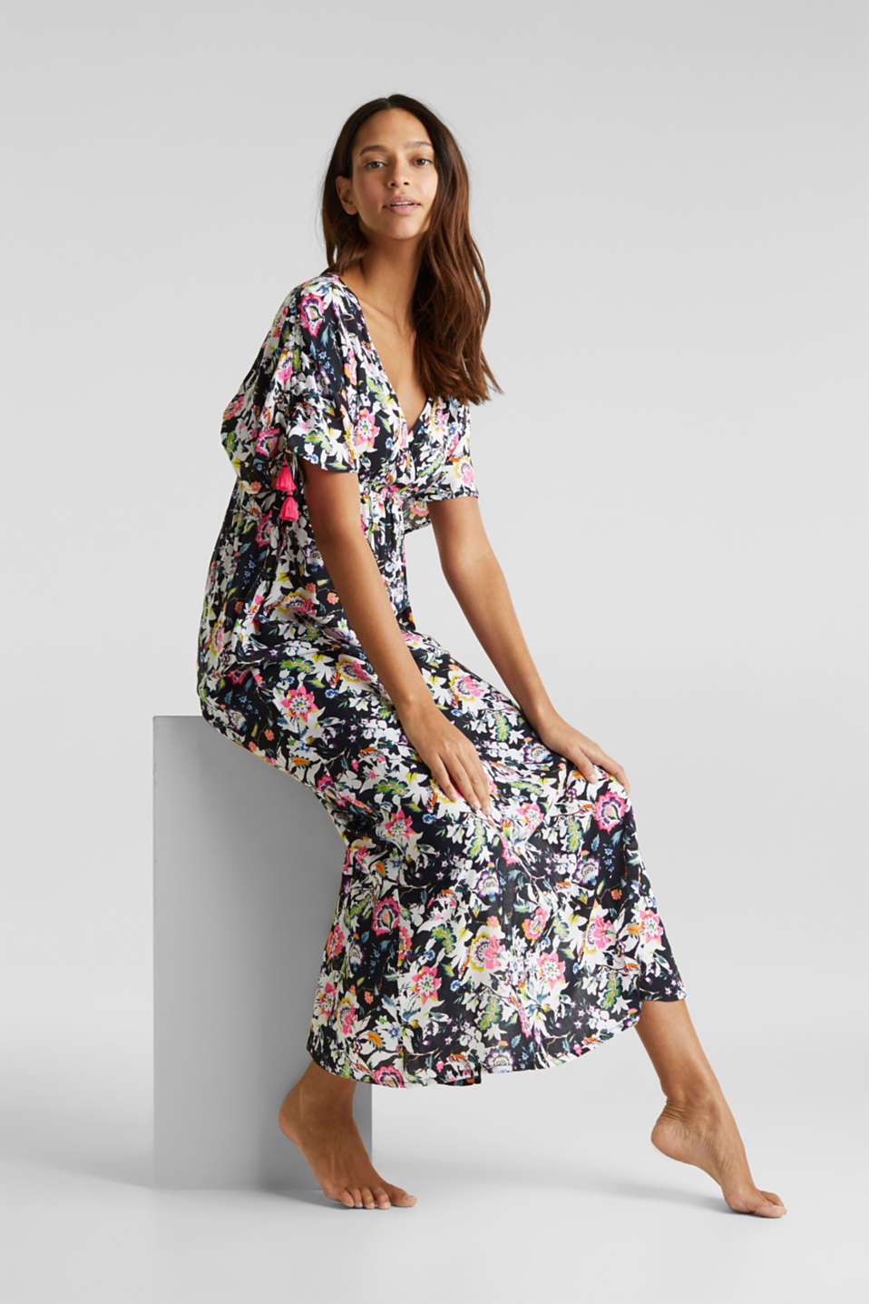 Maxi dress with a floral print, BLACK, detail image number 2