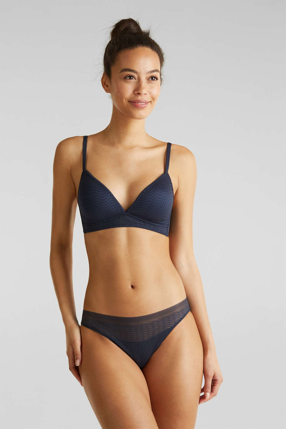 Padded non-wired bra made of modern lace, NAVY 2, detail