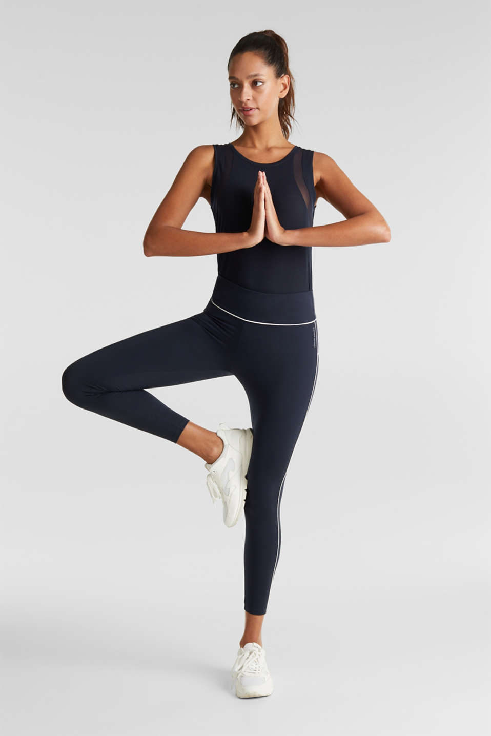 Esprit - Cropped compression leggings with piping, E-DRY