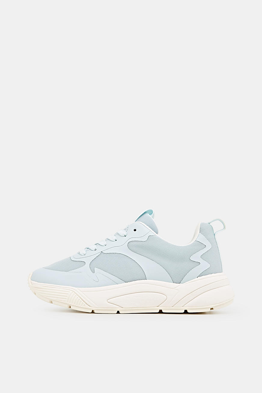 Sneakers med oversized sål