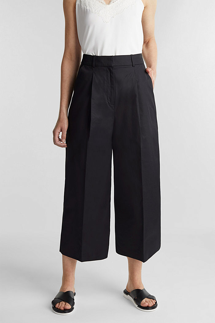 Culottes with a fine sheen