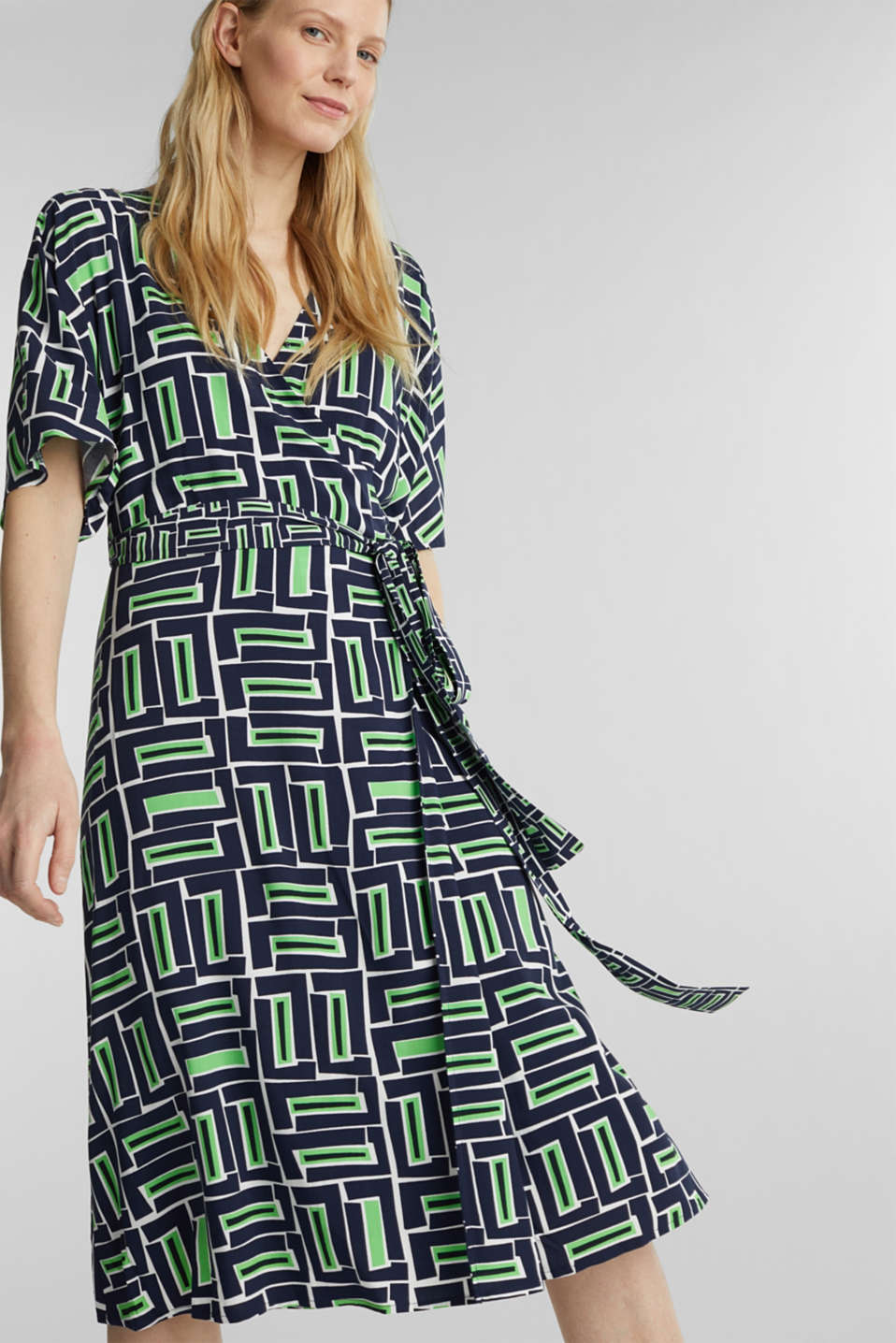 Wrap dress made of LENZING™ ECOVERO™, NAVY 3, detail image number 0