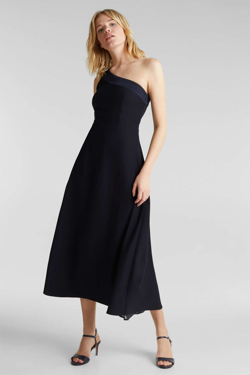 Esprit - Maxi-Kleid im One-Shoulder-Look